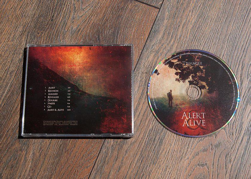 Triangle cd case design